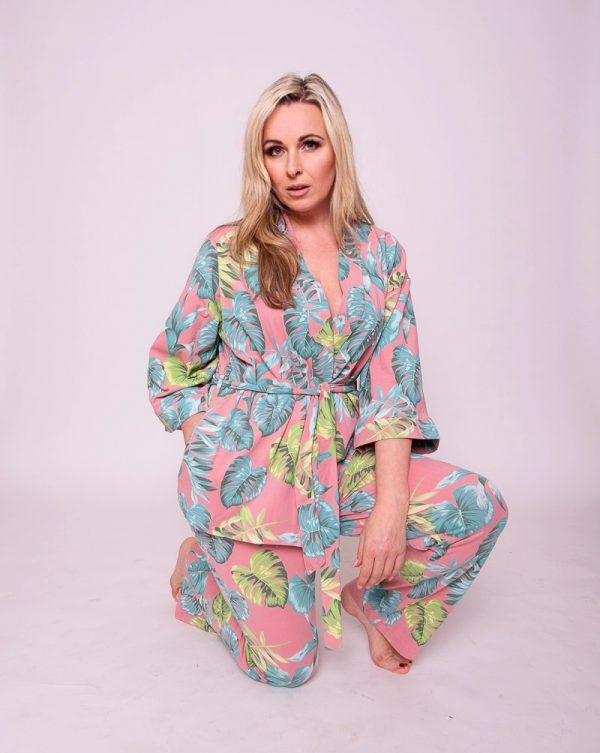 ruzove kimono suprava